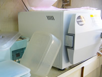 院内、機器を清潔に保つ為に。